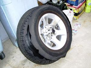 Click image for larger version  Name:Blown Tire.JPG Views:174 Size:106.9 KB ID:109