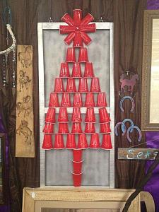 Click image for larger version  Name:SolocupXmastree.jpg Views:64 Size:86.4 KB ID:14338