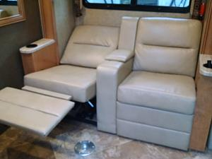 Click image for larger version  Name:Seats recline.jpg Views:62 Size:66.7 KB ID:16199