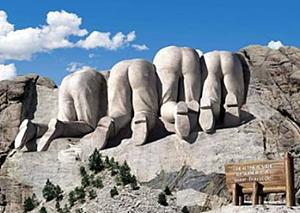 Click image for larger version  Name:Rushmore from Canada.jpg Views:27 Size:33.4 KB ID:24637