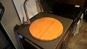 Click image for larger version  Name:Top of Sink cover.jpg Views:127 Size:71.2 KB ID:3640