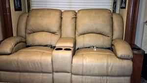Click image for larger version  Name:Thor Recliner2.jpg Views:265 Size:81.7 KB ID:4137