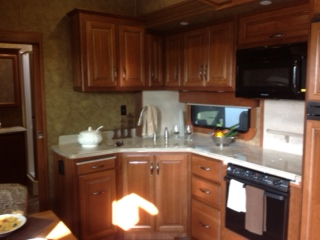 Click image for larger version  Name:Kitchen 1.jpg Views:70 Size:47.1 KB ID:51